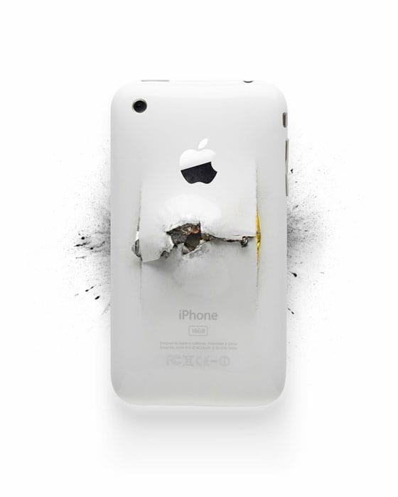 Výstava zničených Apple produktov 12LVE