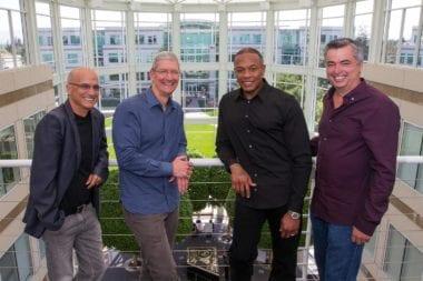 apple buys beats official dr dre tim cook 380x253 - The Chronic od Dr. Dre je ďalšou exkluzivitou Apple Music