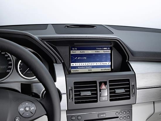Mercedes iPhone Dock Display
