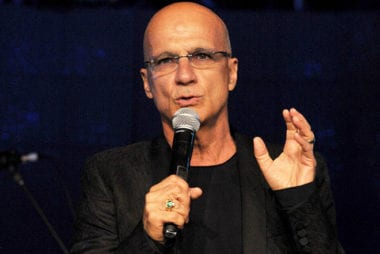 Zdroj: http://appleinsider.com/articles/15/10/07/jimmy-iovine-rails-against-freemium-price-model-says-most-tech-companies-are-culturally-inept