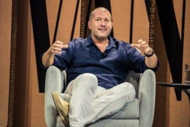 vf summit jony ive 380x253 - Jony Ive hovorí o spomienkach na Jobsa a svojej novej úlohe ako dizajnový riaditeľ
