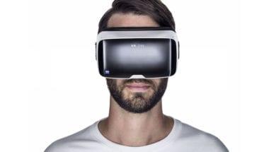 002 virtual reality headset zeiss vr one 380x215 - Apple zostavil tajný tím, ktorý pracuje na VR headsetoch