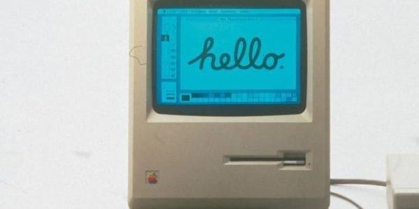 macintosh 32 rokov 600x300 - Toto je nejspíše nejmenší Mac, na kterém lze spustit Photoshop