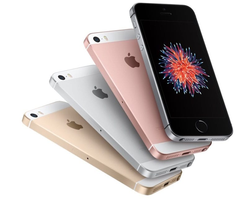 iphone se hero 800x641 - Zásoby displejov pre iPhone SE sú obmedzené, v servise možno dostanete nový kus