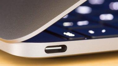 macbook usb c pcmag 380x214 - Aj Intel chce odstrániť 3,5 mm audio jack, nahradiť by ho malo USB-C