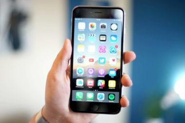 iPhone 6 Plus display cult of mac 380x254 - Za problémy s displejmi na iPhone 6 už Apple čelí žalobe