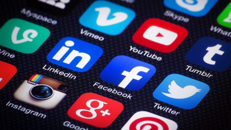 social-media-mobile-apps-ss-1920-800x450