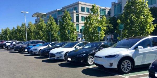 Apple sídlo Tesla