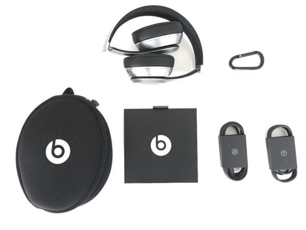 beats solo 2 wireless obsah 600x450 - Recenzia: Beats Solo 2 Wireless