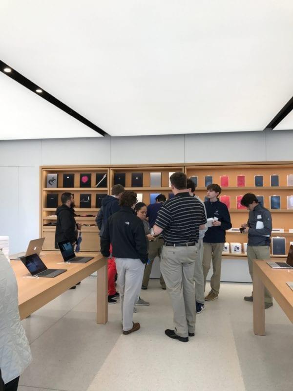Tricka kryty 600x800 - Apple Store tak, jak ho asi neznáte - se speciálními produkty
