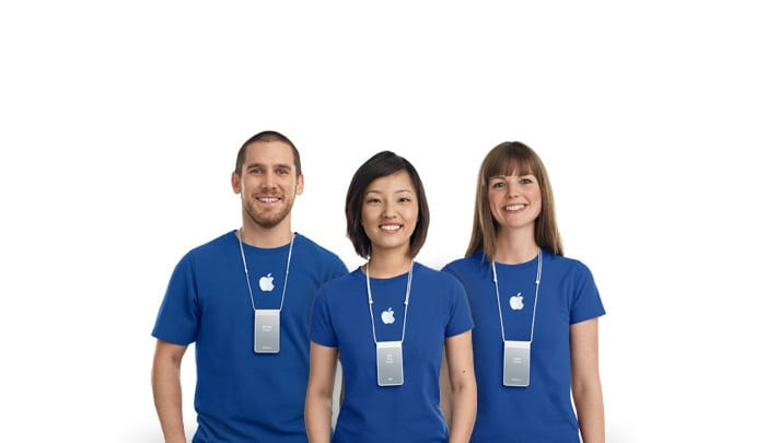 """apple store employee 0 - Apple predstavuje dve nové pracovné pozície """"Lead"""" a """"Schedule Planner"""""""