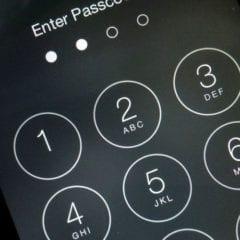 iphone passcode security 9to5mac 240x240 - Čo robiť, ak zabudnete heslo vášho iOS zariadenia?