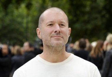 jonathan ive 380x260 - Život Jonathana Ivea, šéfdizajnéra Apple (2. časť)