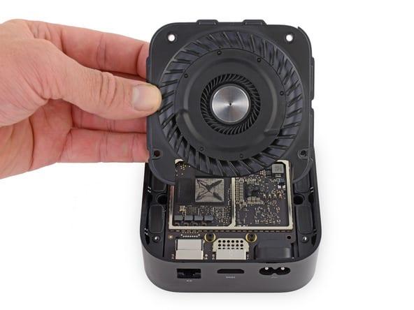 Apple TV Teardown 1 1 - iFixIt rozobral Apple TV 4K, má vymeniteľný chladič a 3GB RAM