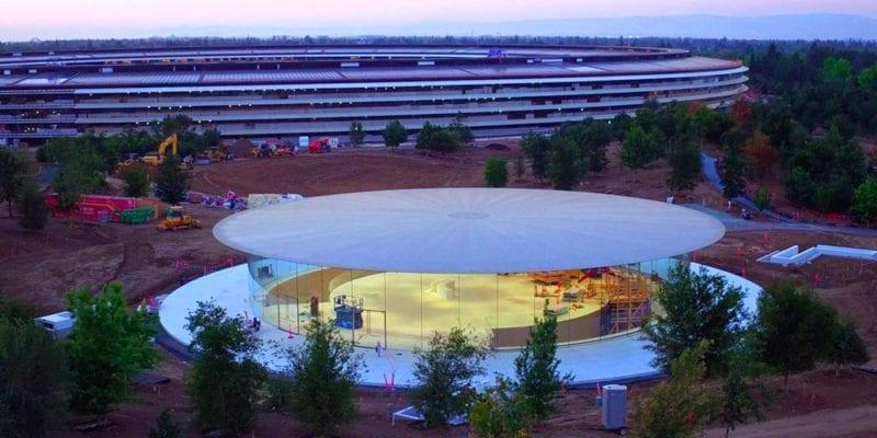 Steve Jobs Theater 800x400 - Podívejte se na vzhled divadla Steva Jobse ještě před prvním oficiálním otevřením!