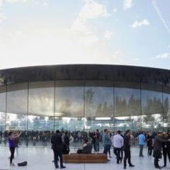 ap keynote 2017 wrap up steve jobs theater 240x240 - Kolik Apple celkem zaplatil za výstavbu Apple Parku?