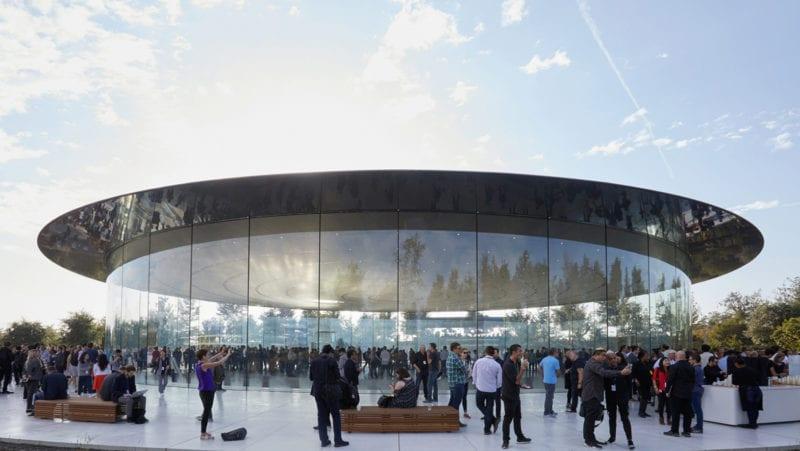 ap keynote 2017 wrap up steve jobs theater 800x451 - Kolik Apple celkem zaplatil za výstavbu Apple Parku?