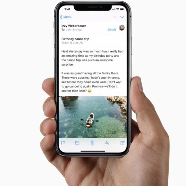 iPhone X Super Retina Display