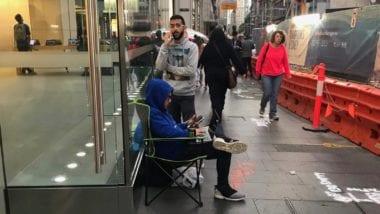 iPhone X fronta 380x214 - Lidé už čekají před Apple Story na nový iPhone X