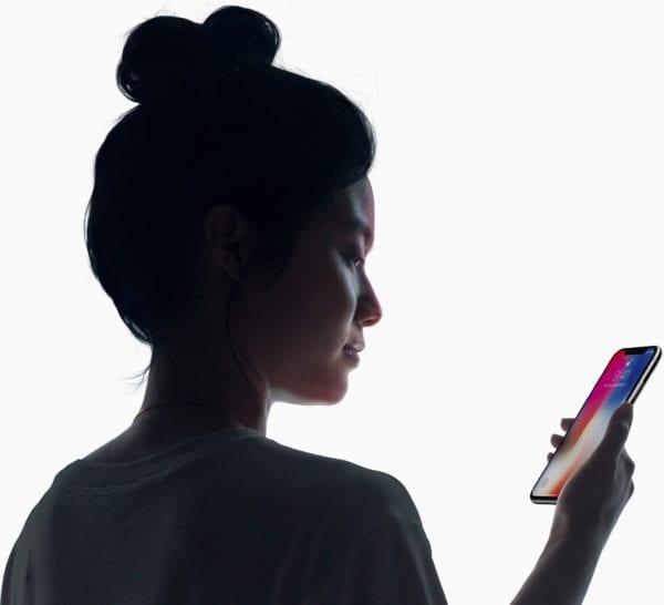 iphone x face id hero 600x546 - Bloomberg zhrnul čo môžeme čakať od WWDC 2018