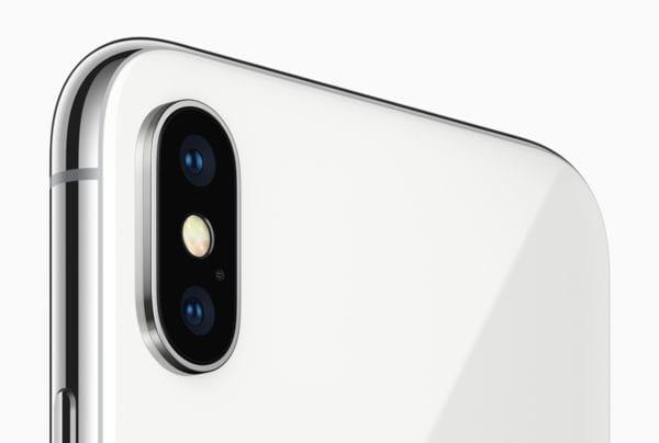 iphone x truedepth back camera 600x404 - iOS 11.2.1 opravuje chybu s HomeKitom a automatickým zaostrovaním na iPhone X, 8 a 8 Plus