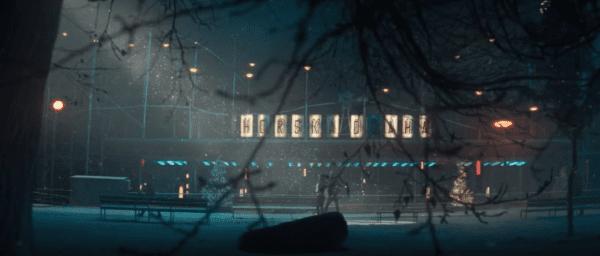 Snímek obrazovky 2017 11 23 v 18.15.34 600x256 - Apple vydal novou vánoční reklamu, natočena byla v Praze