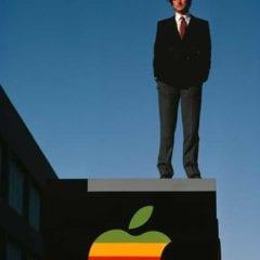 blog steve jobs diana walker 0 240x240 - Z garáže do každej ruky: História Apple (4. časť)