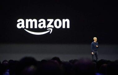 amazon prime tim cook wwdc 380x242 - Apple platí Amazonu 30 miliónov dolárov mesačne za využívanie jeho cloudových služieb