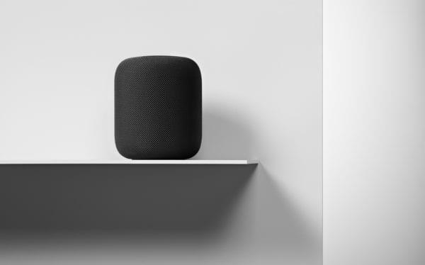 HomePod Availability interior placement 012218 600x374 - Apple priblížil možnosti počúvania hudby cez HomePod