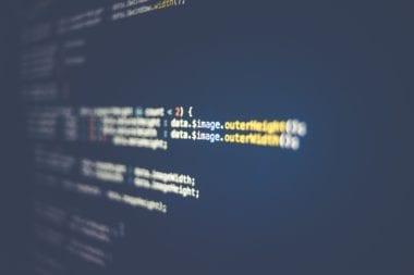 code closeup markus spiske unsplash 380x253 - Na internet unikol zdrojový kód iOS 9, prináša bezpečnostné riziká