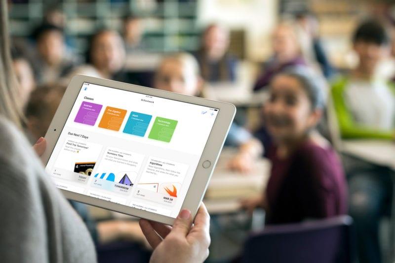 Apple iPad Schoolwork app 03272018 800x534 - Apple predstavil nový softvér pre školstvo – Classroom a Schoolwork