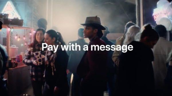 apple pay cash 600x338 - Apple v nové reklamě na iPhone X láká zákazníky na Apple Pay Cash