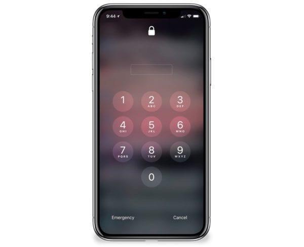 iphone x ios passcode 600x489 - iOS 11.4 bude po týždni blokovať prístup cez USB port, sťaží tak prácu vyšetrovateľom