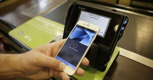 apple pay e1414504064841 1940x1090OK 1024x536 600x314 - Apple Pay bychom se v ČR měli dočkat už velmi brzo