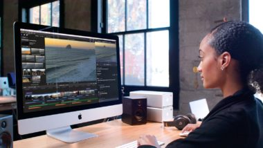 Final Cut Pro X woman at work station 11152018 380x214 - Apple vydal ProRes RAW pre Windows