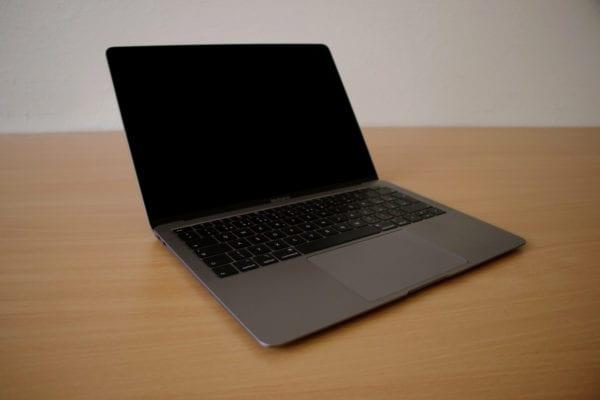 MacBook Air 2018  600x400 - Recenzia: MacBook Air s Retina displejom