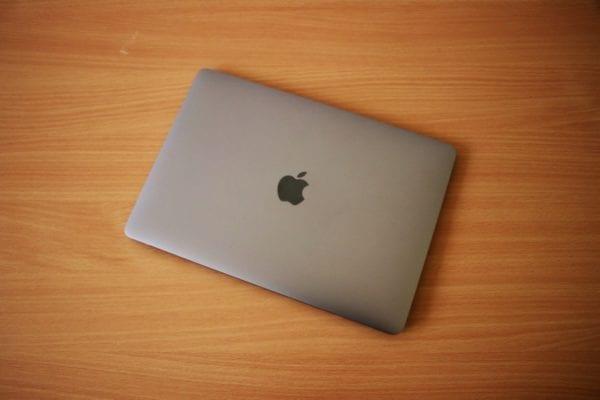 MacBook Air 2018 Top 600x400 - Recenzia: MacBook Air s Retina displejom