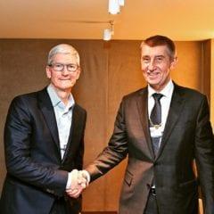 tim cook andrej babis 240x240 - Tim Cook sa stretol s Andrejom Babišom, bavili sa o pražskom Apple Store