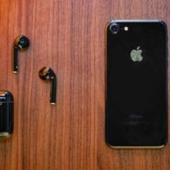 maxresdefault 240x240 - Apple možná už na jaře vydá sluchátka AirPods s novým povrchem a v černé variantě