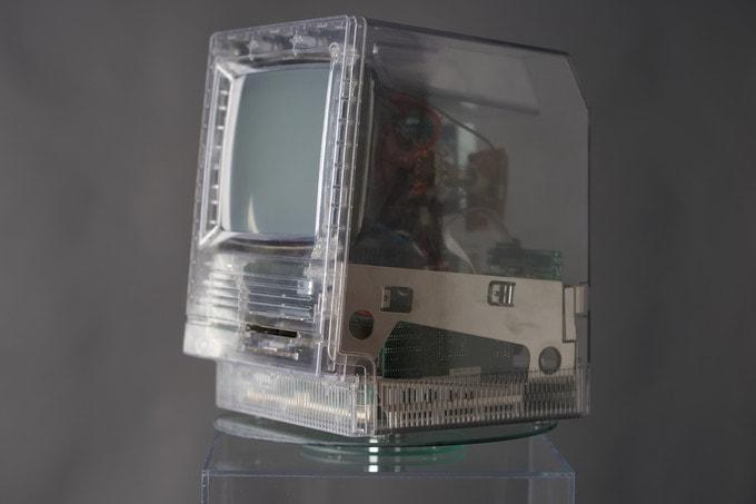 Macintosh clear case - Týždeň v skratke: nové iPady, rýchlejšie iMacy, AirPods 2 a mnoho ďalšieho
