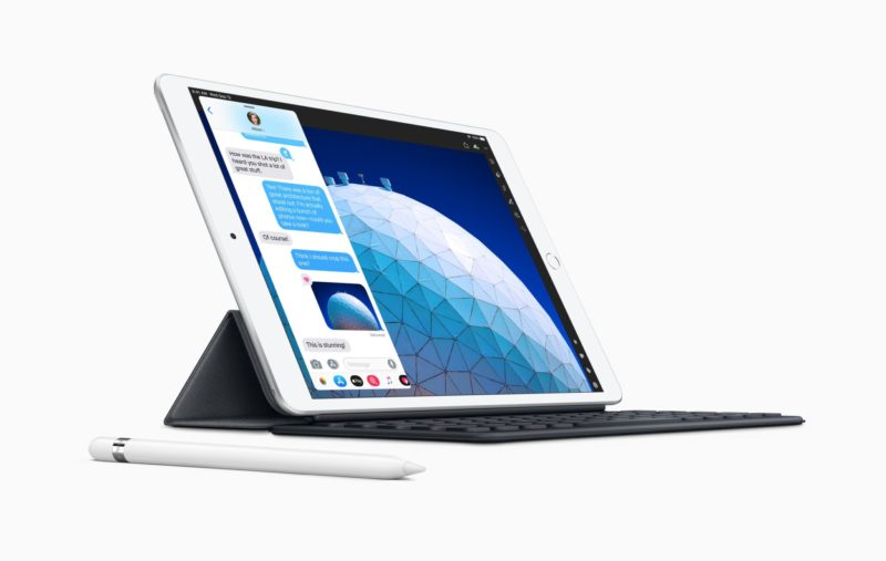 New iPad Air smart keyboard with apple pencil 03192019 800x507 - Apple začal predávať renovované iPady Air 3 a iPady mini 5