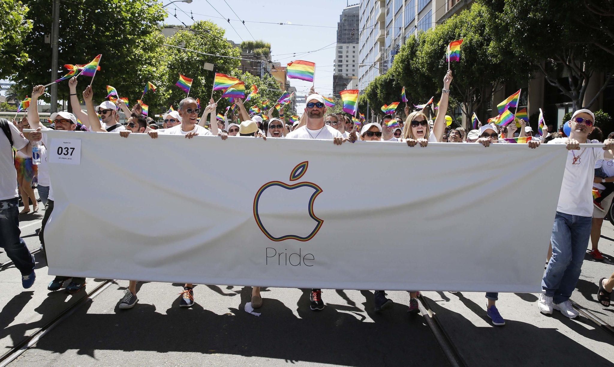 apple pride parade - Týždeň v skratke: USB štandardy, sledovanie spánku a politikárčenie s investormi
