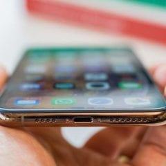 iphone xs max 9 thumb800 240x240 - iOS 13 možná umožní rychlý přenos dat z jednoho iPhonu do druhého přes kabel