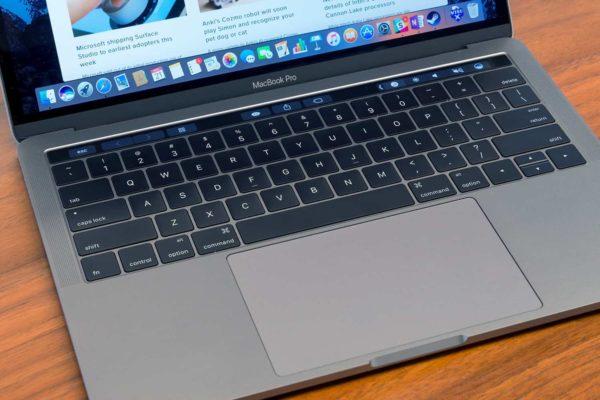 macbook pro 2016 keyboard 1500x1000 600x400 - MacBook Pro 2019 v základní konfiguraci je o 83% výkonnější, než předchozí generace