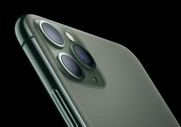 Apple iPhone 11 Pro Matte Glass Back 091019 600x422 - iPhone 11 Pro prináša profi hardvér za profi cenu