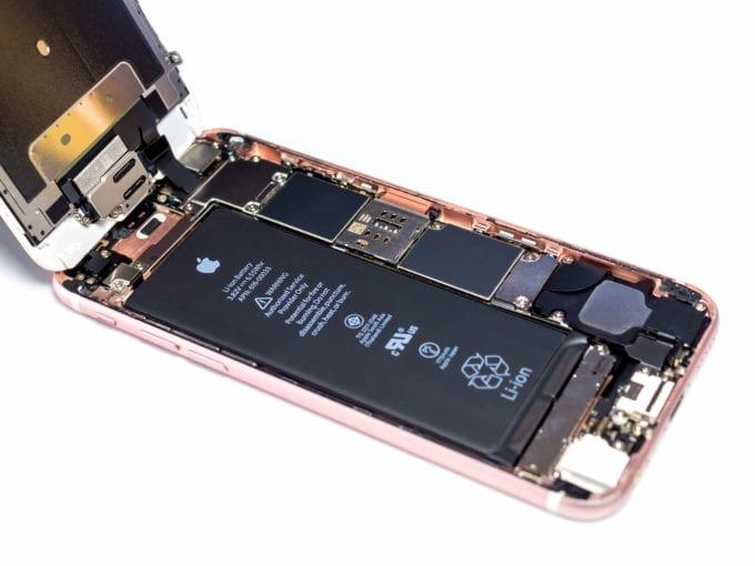 shutterstock 626225477 680x510 - Apple musí Francúzsku zaplatiť 25 miliónov eur