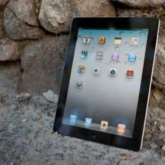 "ipad2rec ipad2 01 240x240 - iPad 2 sa pridáva k ""zastaraným produktom"""
