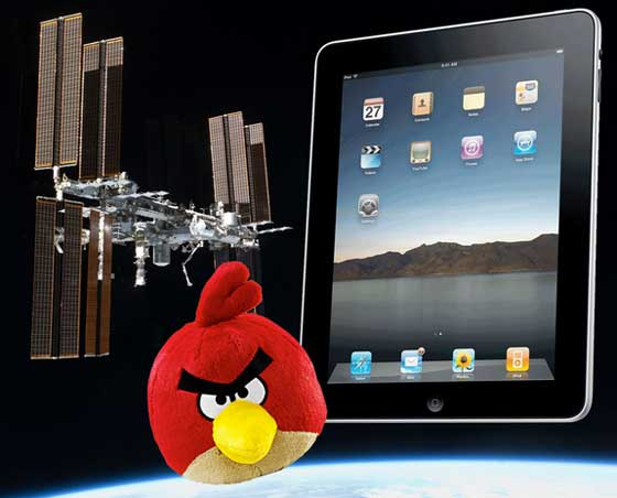 ipads-angrybirds-iss