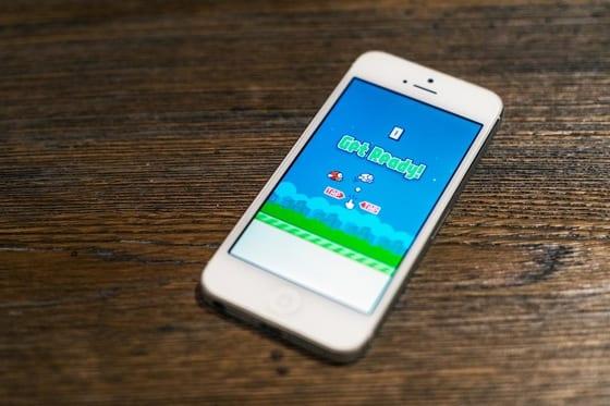 iphone5s flappybird - Flappy Bird si už na iOS 11 nezapnete