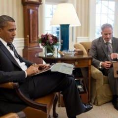 obama ipad 240x240 - Apple prehral boj o Baracka Obamu